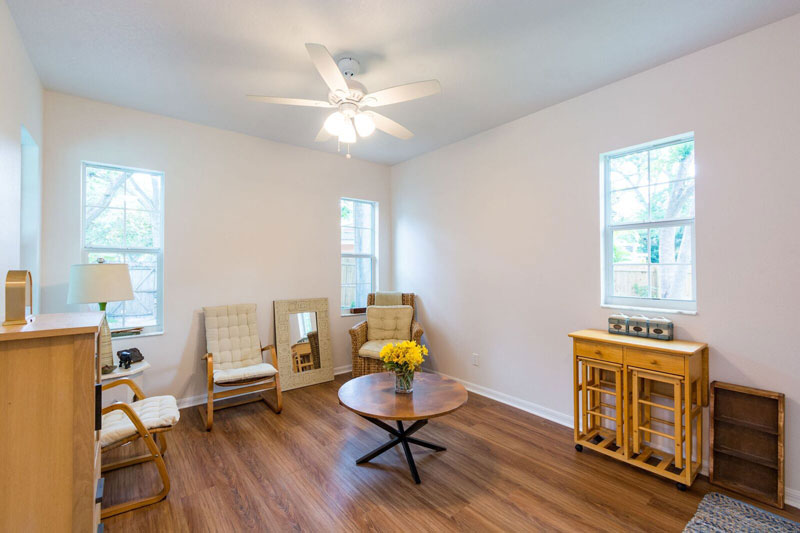 06-Sitting-Room_DeSanto_Floridian_Model_preview.jpg